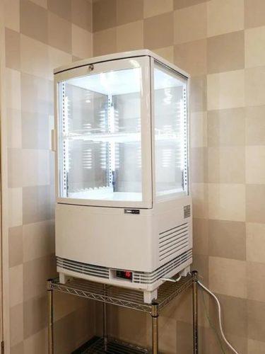 冷蔵ショーケース。。。